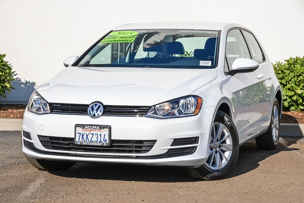 Pre-Owned 2015 Volkswagen Golf TSI S 2-Door