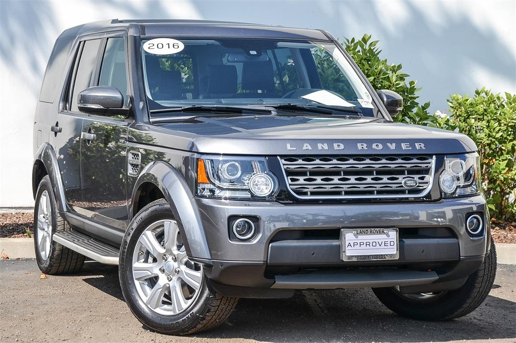 Pre-Owned 2016 Land Rover LR4 HSE
